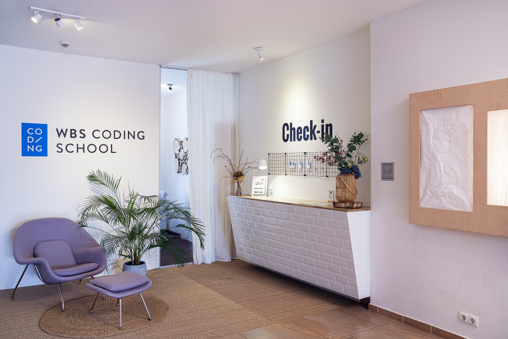 Check-in desk at the Berlin Campus of WBS CODING SCHOOL.