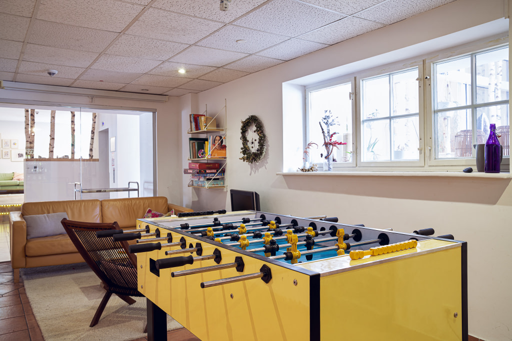 Foosball in the gaming area of the Berlin Campus of WBS CODING SCHOOL.